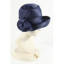 Cappello blu in raso