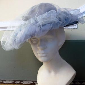 Cappellino Vintage 1950 in tulle - unenouvellevie a045d1912f29